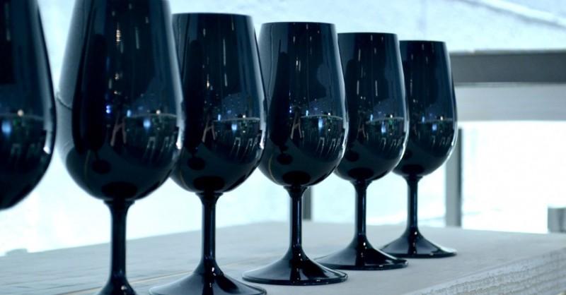 Blog vin Beaux-Vins accessoires winelover verres noirs degustation oenologie