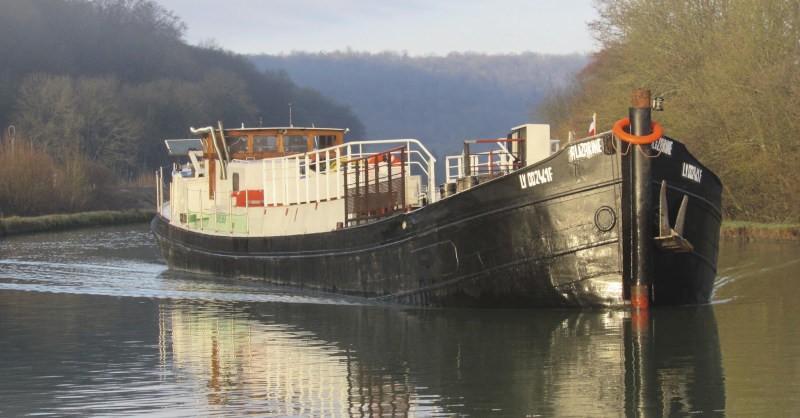 blog vin beaux-vins bateau alizarine transport fluvial vins